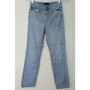 Uniqlo High-Rise Jeans in Boyfriend Fit